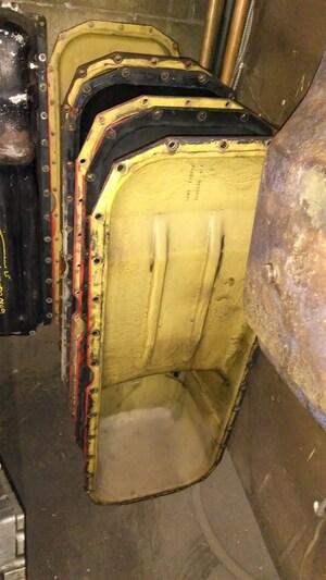 2003 Freightliner OIL PAN / PANNE A HUILE CUMMINS ISX OIL PAN / PANNE A HUILE CUMMINS ISX