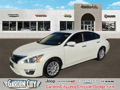 Used 2013 Nissan Altima 2.5 S Sedan Hempstead