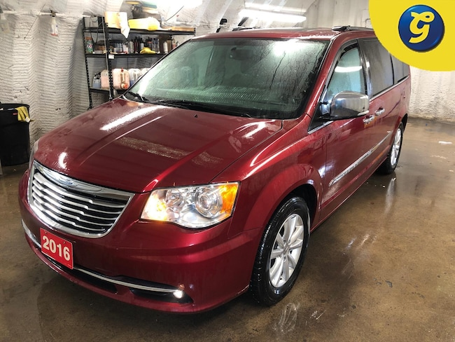2016 Chrysler Town & Country Limited Platinum * Garmin Navigation * Power sunro Minivan