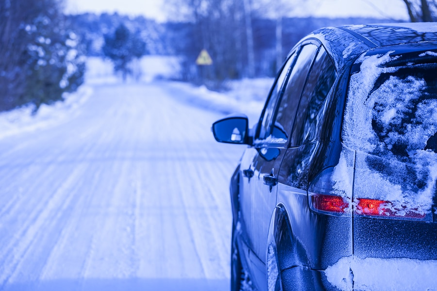 Driiving in Winter Safety Tips | McHenry, IL