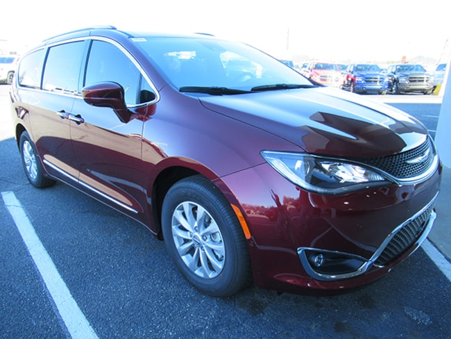 New 2019 Chrysler Pacifica Touring L Minivan for sale near Charlotte