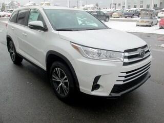 New 2019 Toyota Highlander LE SUV