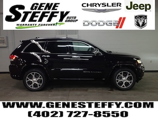 New Chrysler Dodge Jeep Ram Models 2019 Jeep Grand Cherokee OVERLAND 4X4 Sport Utility for sale in Fremont, ND