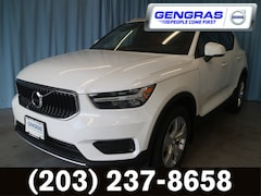New 2019 Volvo XC40 T4 Momentum SUV For Sale in Hartford