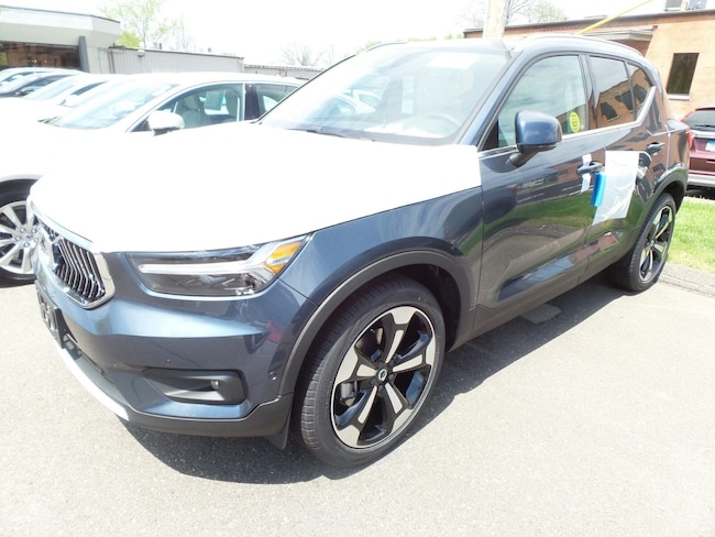 New 2019 Volvo XC40 For Sale at GENGRAS MOTOR CARS | VIN