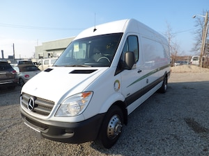 2011 Mercedes-Benz Sprinter 3500 & HIGH ROOF & 170 WB & DUALLY