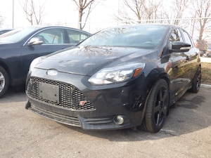 2014 Ford Focus ST & 6 SPEED & LEATHER & ROOF & NAVI