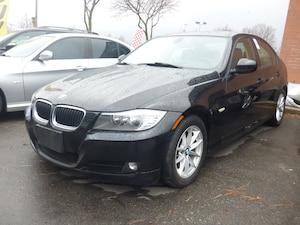 2011 BMW 323 V6 & SUNROOF & AUTO & POWER HEATED SEATS