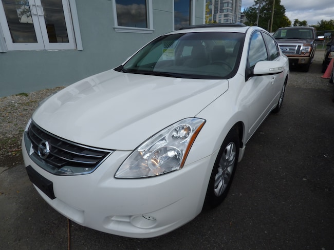 2011 Nissan Altima 2.5 SL & LEATHER & SUNROOF & BACK UP CAMERA Sedan