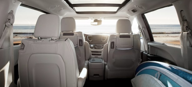 2017 Chrysler Pacifica interior space