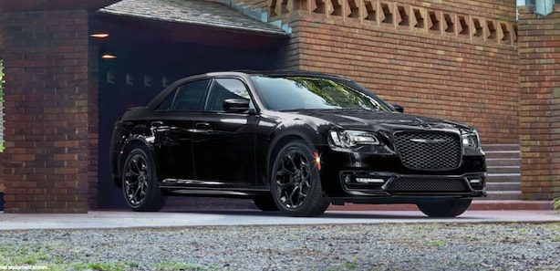 2018 Chrysler 300 available in Signal Hill
