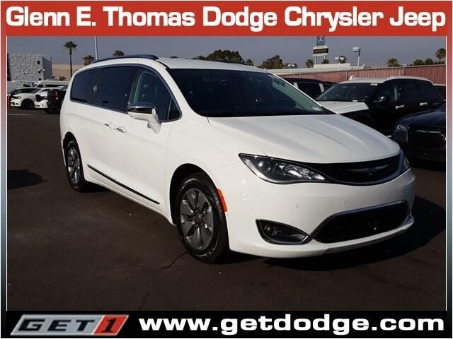 2018 Chrysler Pacifica Hybrid Hybrid Limited Hybrid Limited FWD