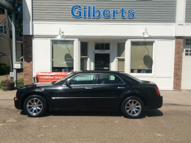 2006 Chrysler 300C HEMI, RWD, HTD Seats Sedan