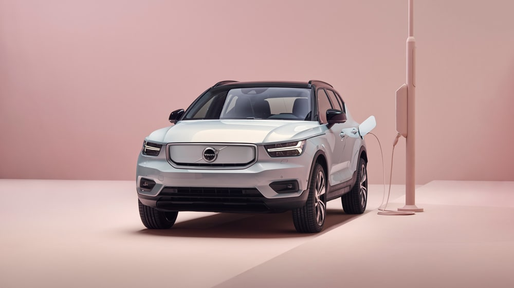 volvo xc40 recharge plugged in