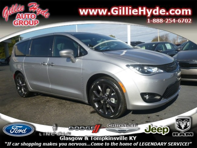 New 2019 Chrysler Pacifica Touring PLUS S Minivan 2C4RC1FG1KR575094 in Glasgow, KY