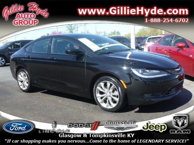 2015 Chrysler 200 S Sedan 1C3CCCBB0FN674136