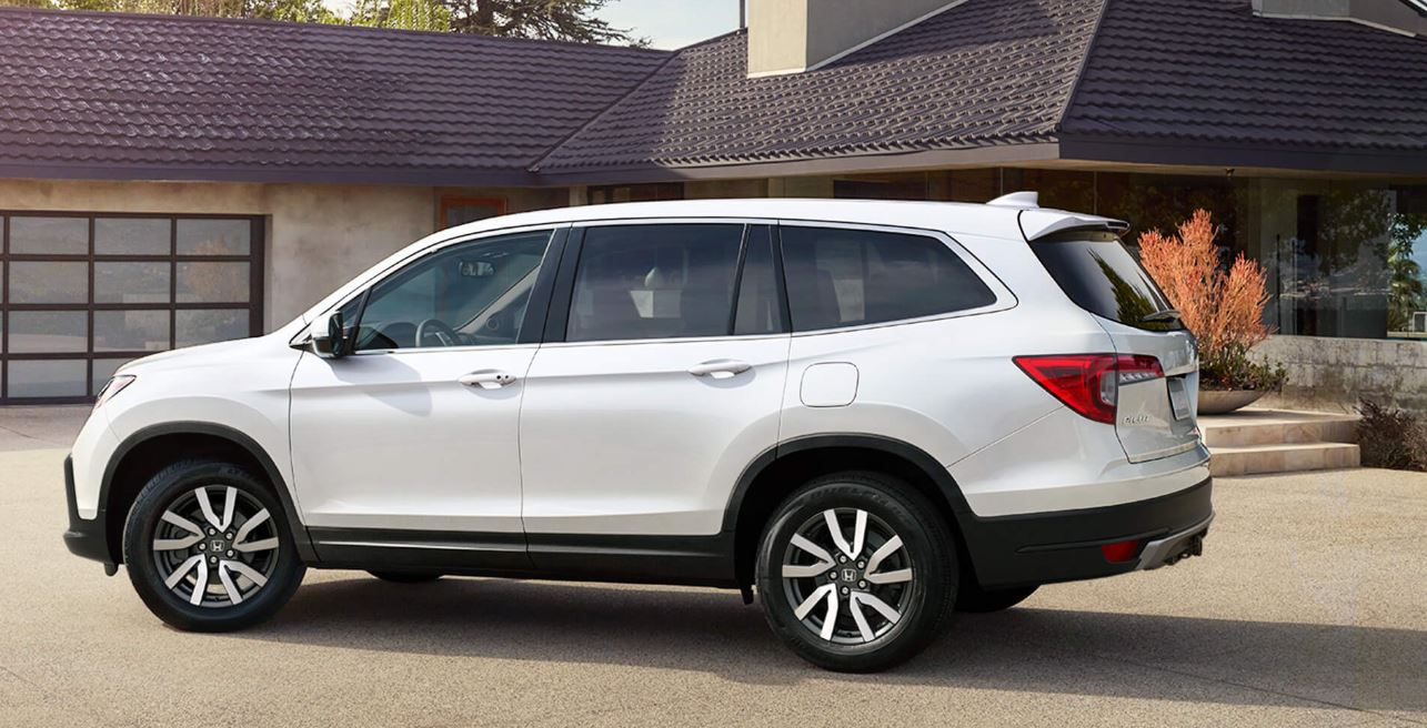 Versatile Roomy And Loaded With Features The 2019 Honda Pilot