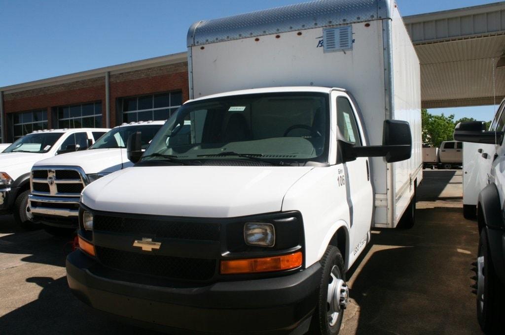 2017 Chevrolet Express Cutaway Work Van Truck