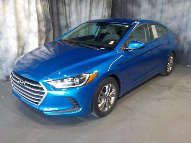 Used 2017 Hyundai Elantra SE Sedan for sale in Fort Wayne, Indiana