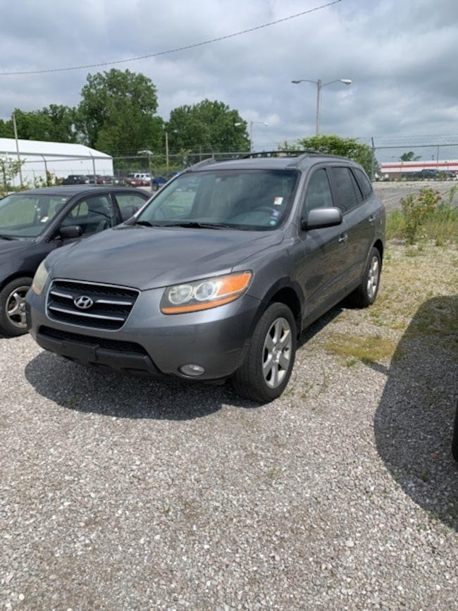 Used 2009 Hyundai Santa Fe SUV for sale in Fort Wayne, Indiana