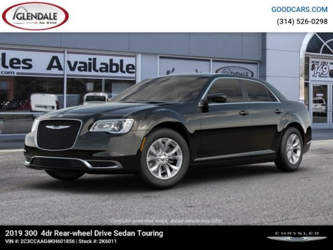 New 2019 Chrysler 300 TOURING Sedan in St. Louis
