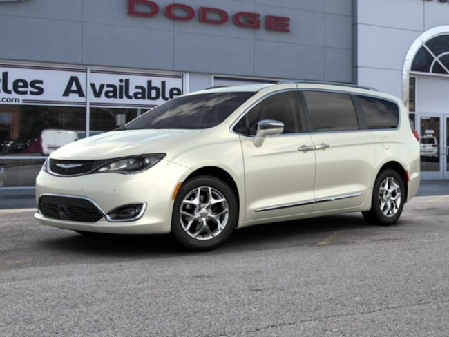 New 2019 Chrysler Pacifica LIMITED Passenger Van in St. Louis