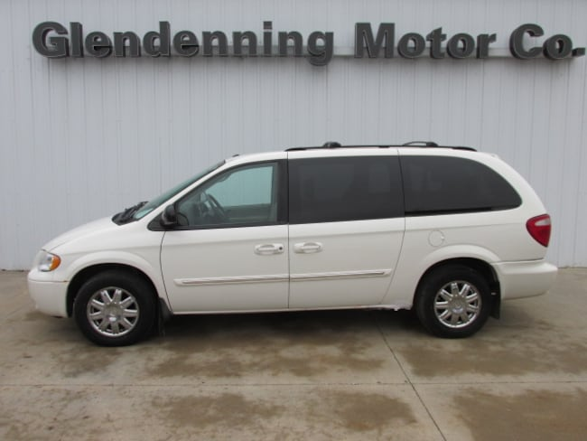 2007 Chrysler Town & Country Touring Van