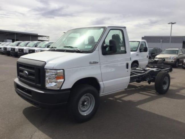 2018 Ford E-350 Cutaway Base Truck