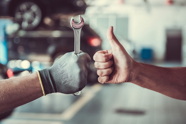 Advantages of servicing at a dealership