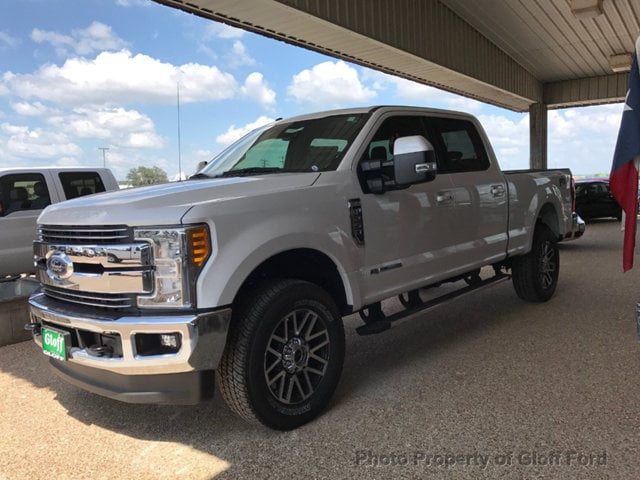 2017 Ford Superduty F-250 Lariat Truck