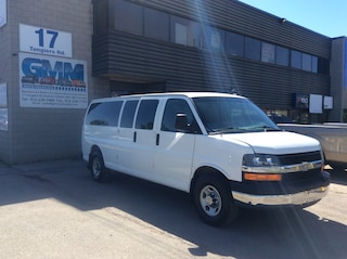 2011 Chevrolet Express 3500 LT Extended 15 Passenger Van Gas Minivan