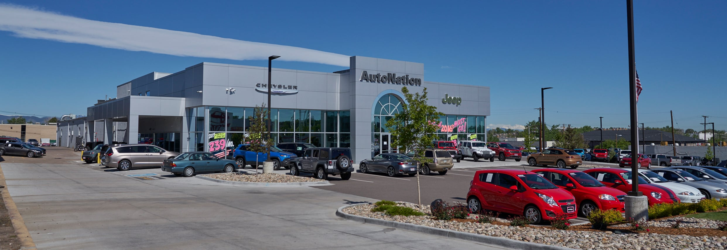 Outside view of Autonation Chrysler Jeep Broadway