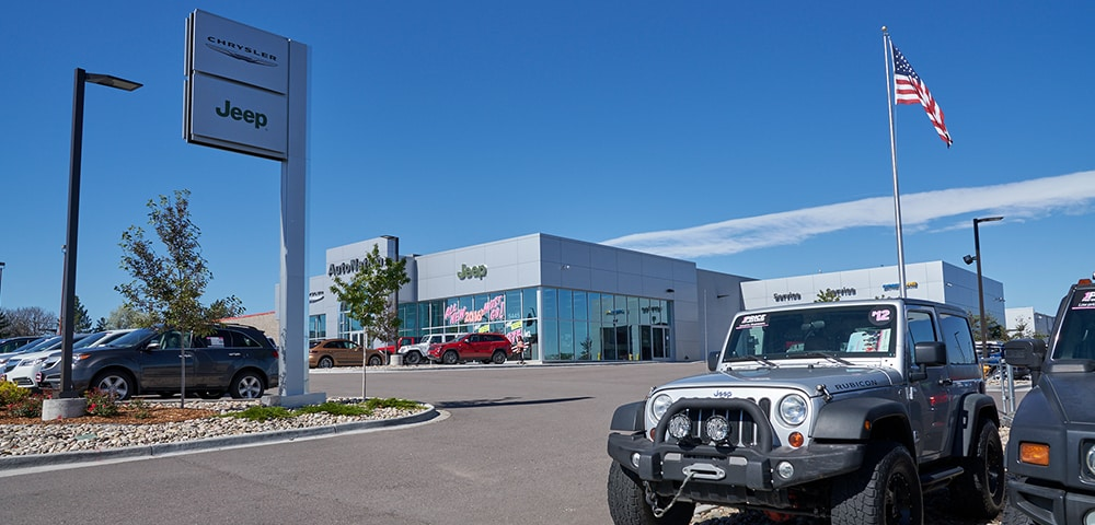 Exterior view of Autonation Chrysler Jeep Broadway serving Lakewood