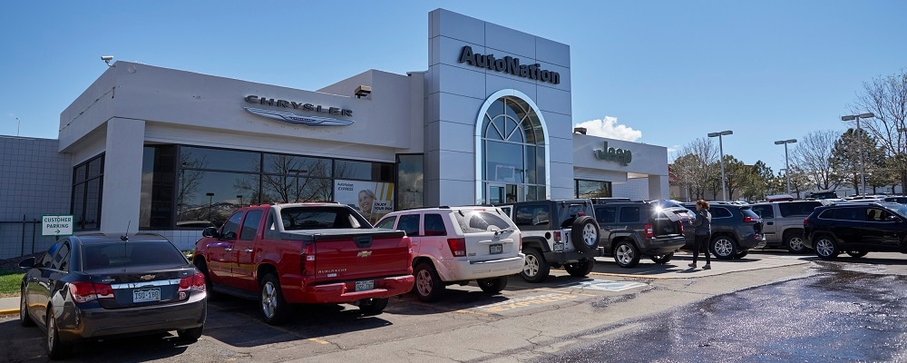 Exterior view of Autonation Chrysler Jeep West during the day