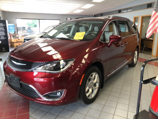 New 2019 Chrysler Pacifica Touring L Minivan for sale Effingham, Illinois