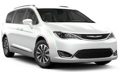 New 2019 Chrysler Pacifica TOURING L PLUS Passenger Van for sale in Effingham, IL at Goeckner Bros., Inc.