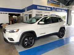 New 2019 Jeep Cherokee ALTITUDE 4X4 Sport Utility for sale in Effingham, IL at Goeckner Bros., Inc.