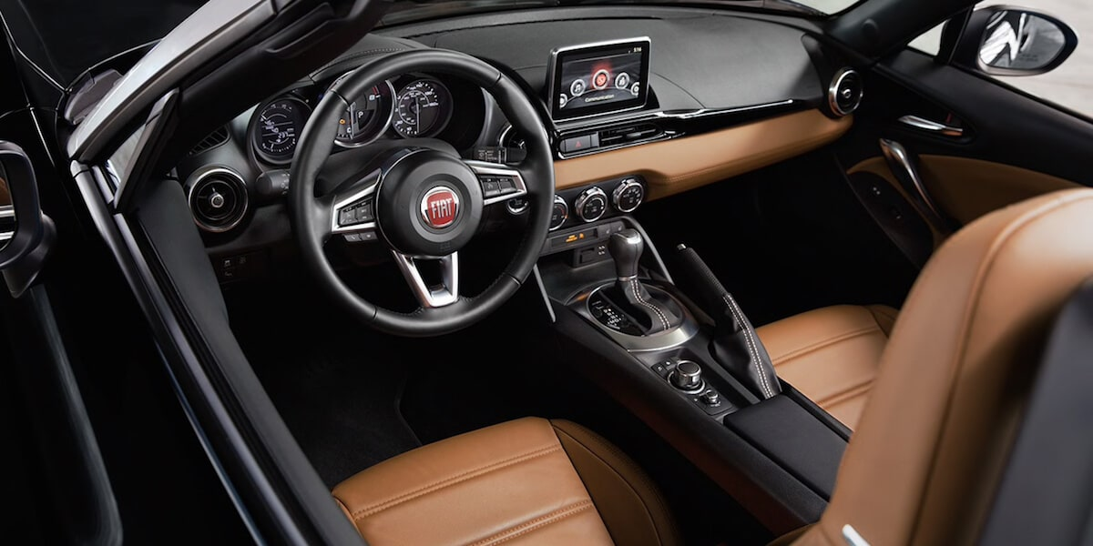 2019 FIAT 124 Spider tan interior