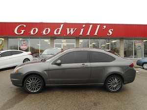 2010 Ford Focus SES! LEATHER SEATS! SUNROOF!