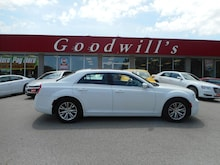 2017 Chrysler 300 TOURING! NAVIGATION! Sedan