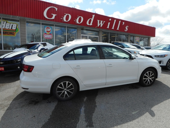 2016 Volkswagen Jetta COMFORTLINE! HEATED LEATHER! SUNROOF! BACKUP CAM! Sedan
