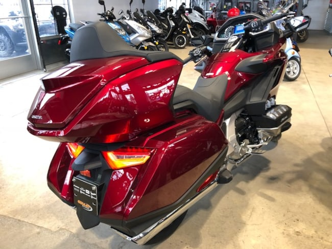 neuf 2018 honda gl1800 goldwing touring vendre ste therese qc. Black Bedroom Furniture Sets. Home Design Ideas