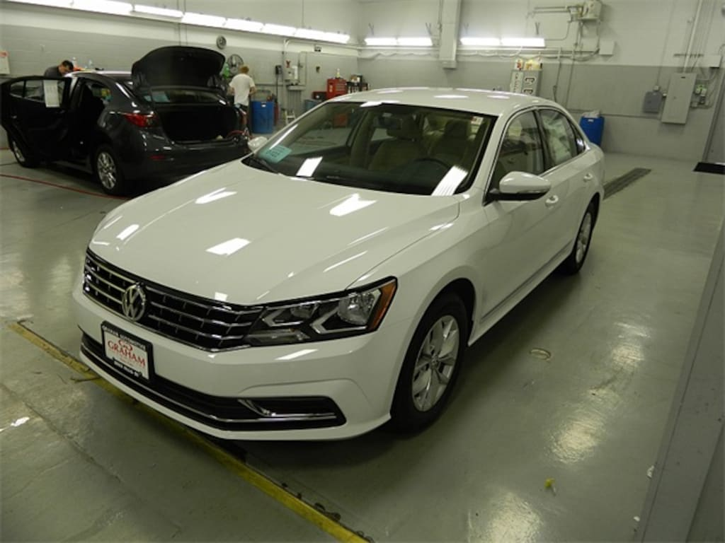 Used 2017 Volkswagen Passat For Sale at Audi Sioux Falls | VIN