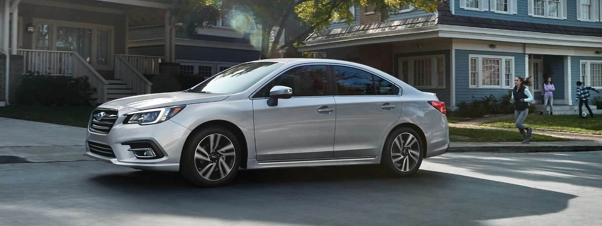 2018 subaru legacy trims