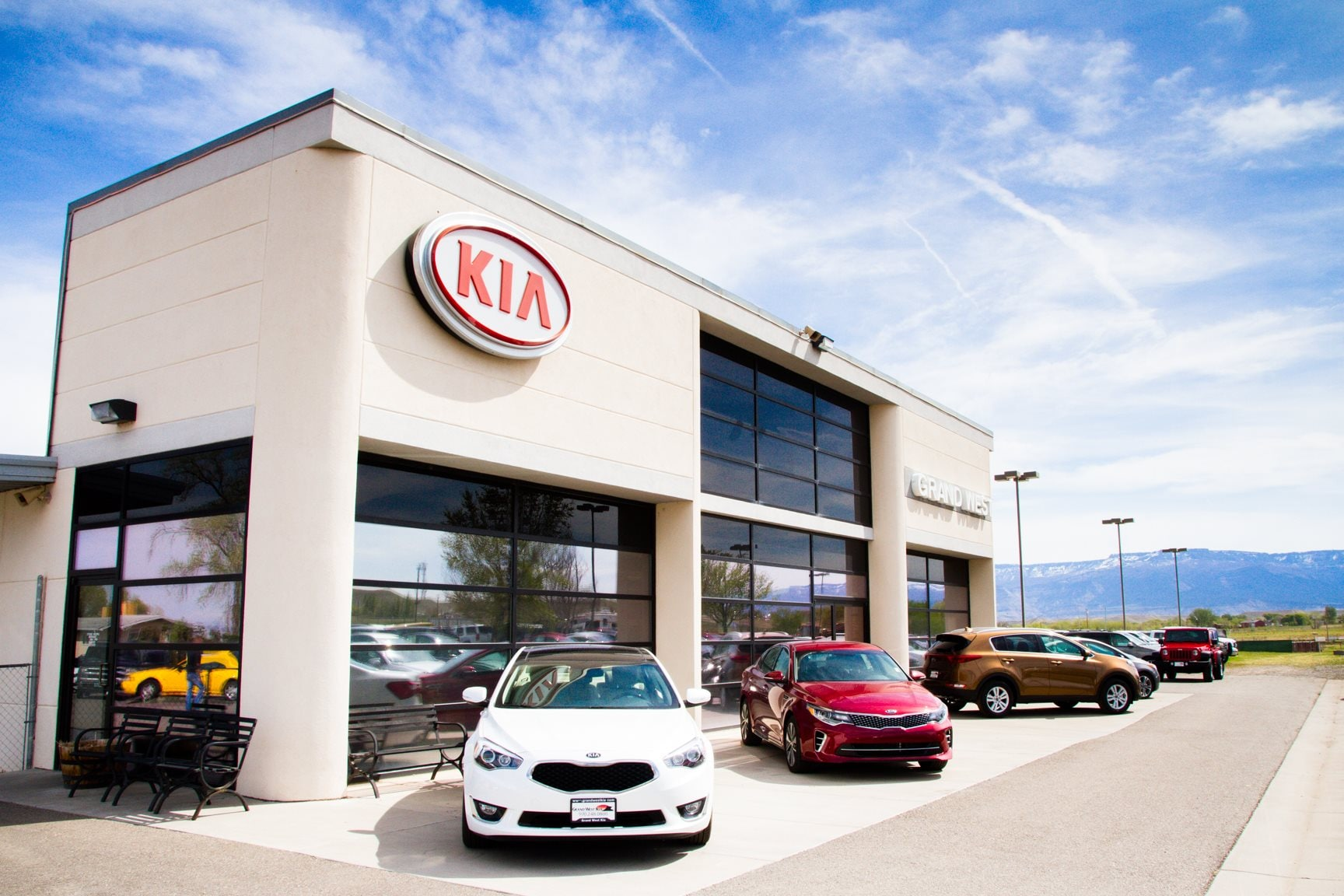 grand west kia new kia dealership in grand junction co 81503. Black Bedroom Furniture Sets. Home Design Ideas