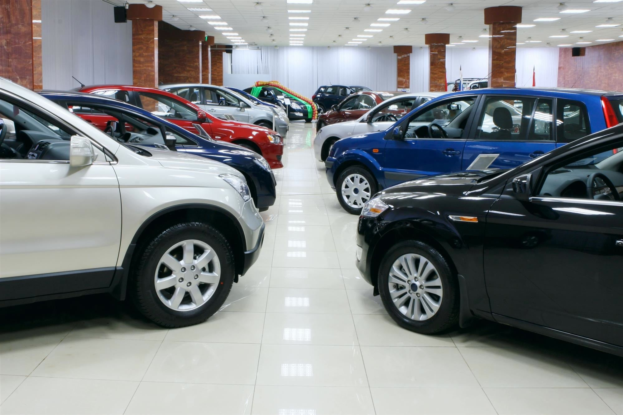 choosing between a new and used car