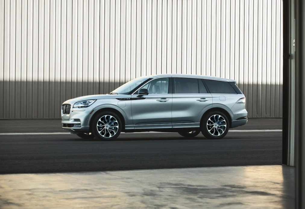 2020 lincoln aviator vs audi q7