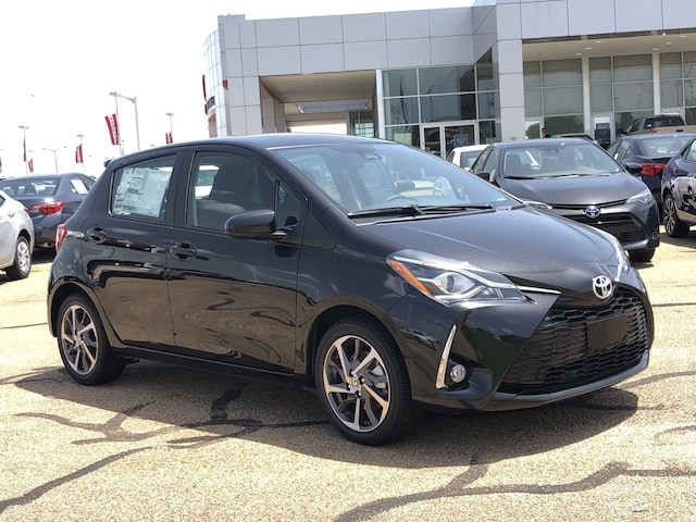New 2018 Toyota Yaris 5-Door SE Hatchback