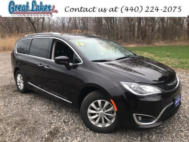2019 Chrysler Pacifica Touring L Minivan/Van