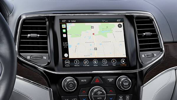 2019 Jeep Grand Cherokee Infotainment Panel in dash console